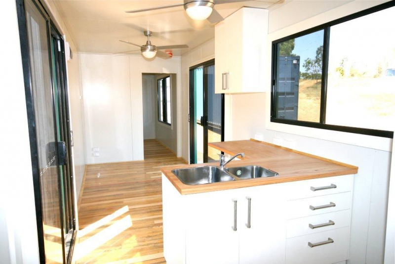 Stingray cabin 40ft container cabins - 40ft shipping container home ...